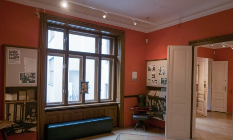 consulting room-study freud museum vienna